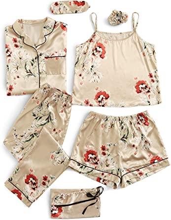 Pijama de 7 piezas color piel con estampado de flores